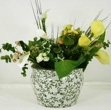 Load image into Gallery viewer, Vintage ceramic plant pot green and white design