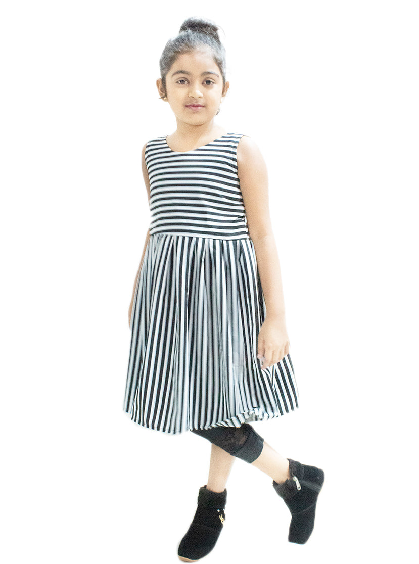 Little Steps Knee Length Lined Print Frock