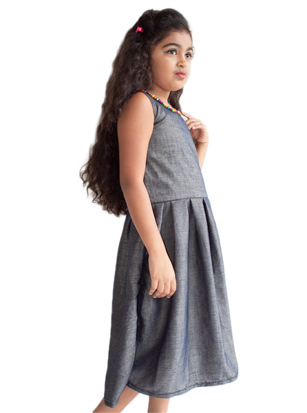Sleeveless Dark Gray Flit Frock.