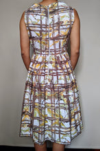 Load image into Gallery viewer, Vintage 1950's Brown & Cream Criss Cross Dress