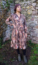 Load image into Gallery viewer, Vintage Autumnal Floral Dress