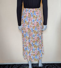 Load image into Gallery viewer, Vintage Long Pastel Floral Skirt