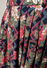 Load image into Gallery viewer, ** SOLD ** Vintage Red/Olive/Black Flower Detail Skirt