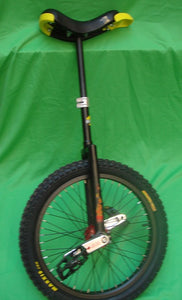 Monocycle Qu-ax cross 50cm moyeux rouge
