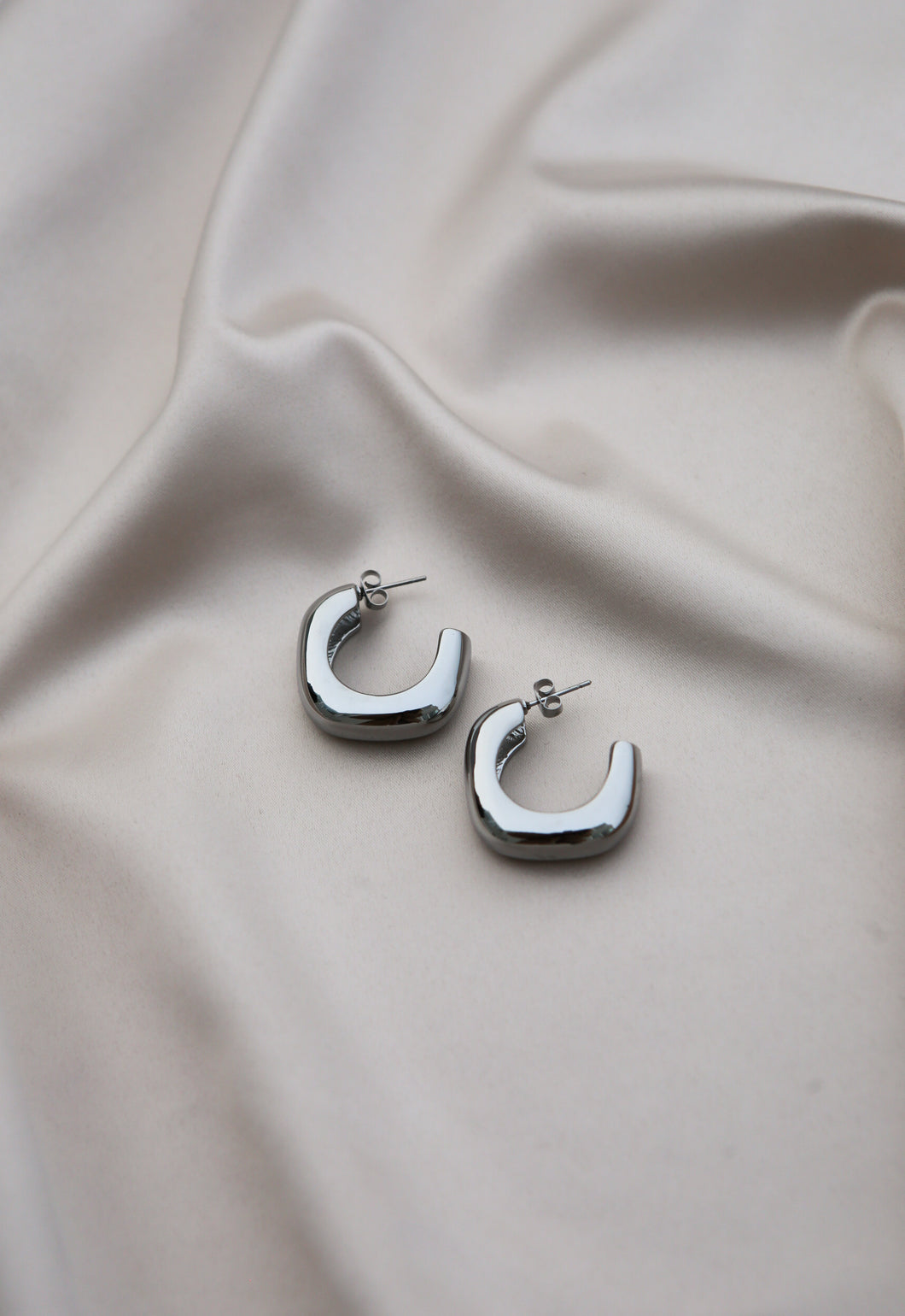 Chane earrings by Fanney Ingvars
