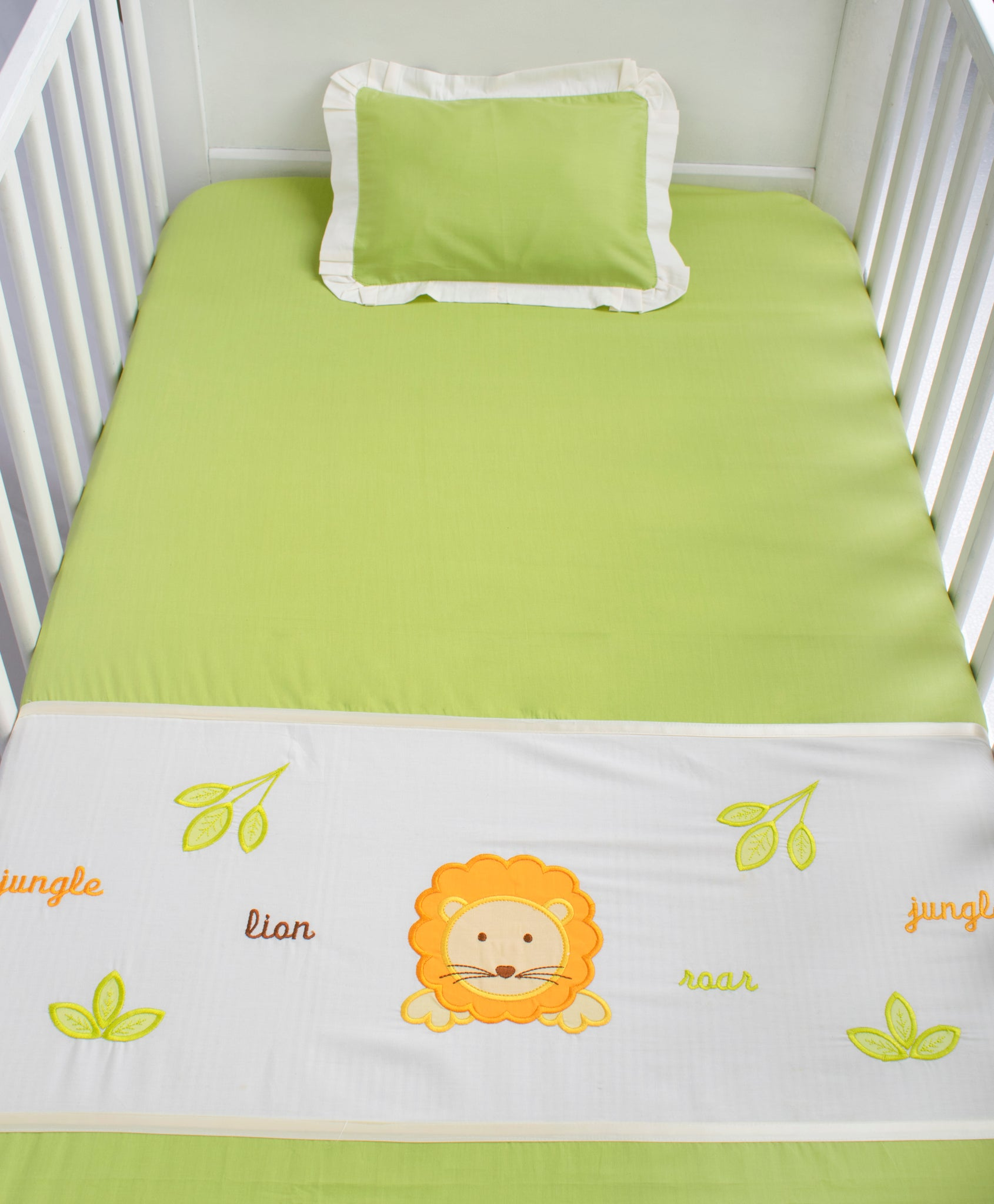 Blooming Buds Cot Sheet with Pillow Cover - Jungle Friends (Green)