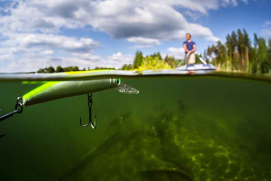 How to make a fishing lure