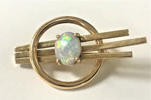 14K yellow gold Oval Opal Brooch