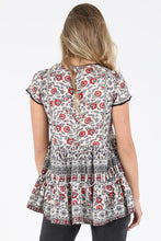 Load image into Gallery viewer, V Neck Floral Lace Tunic