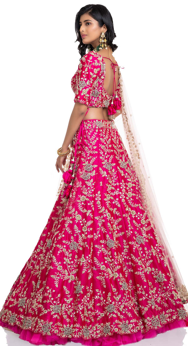 latest bridal lehenga design by Poshak Chandigarh