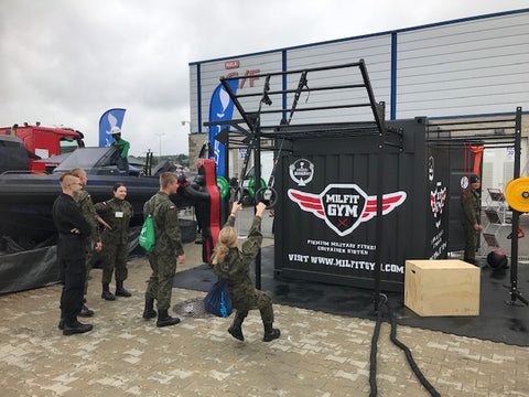 Bundeswehr Container Fitness Workout Outdoor