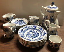 Load image into Gallery viewer, 21 pc. Hutchenreuther Dinner Ware Set