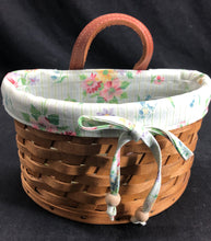 Load image into Gallery viewer, Small Longaberger Basket