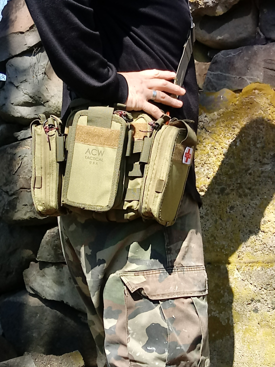 Mac pack with 3 Sat pouches and shoulder strap