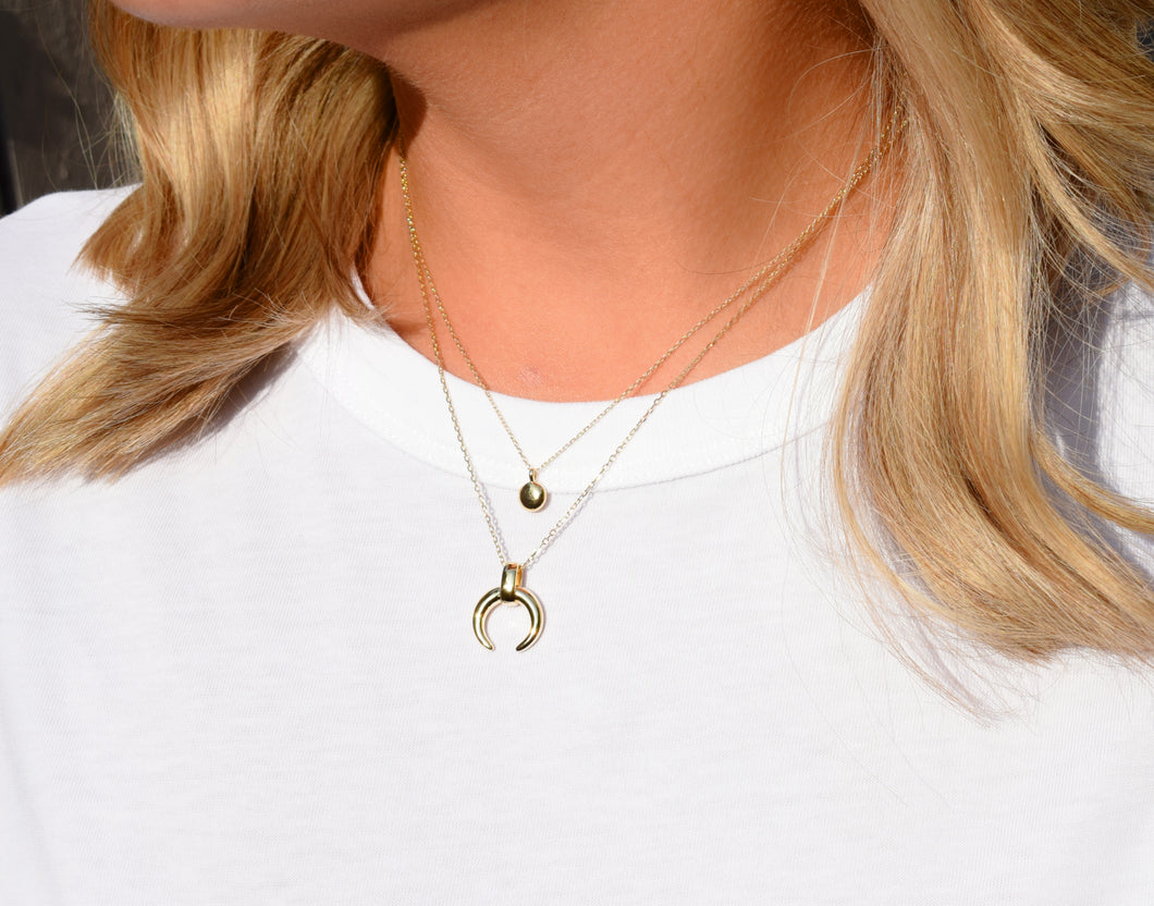 Simple minimal gold droplet pendant necklace