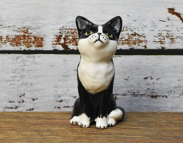 Tuxedo cat pie bird ceramic one of a kind hand crafted by Anita Reay AnitaReayArt piebird black and white cat figurine