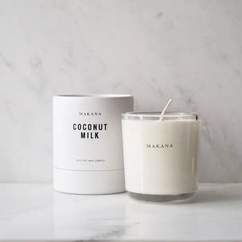 Coconut Milk - Classic Candle 10 Oz