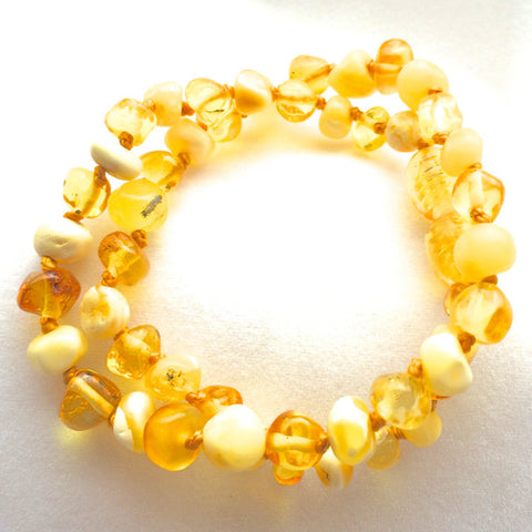 Amber Teething Necklace - Milk and Lemon