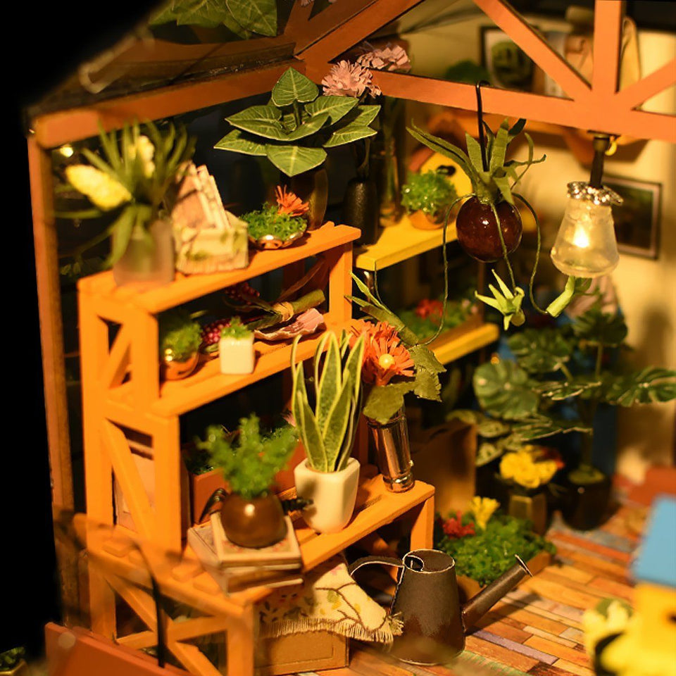 DIY Dollhouse - Cathy's Flower House