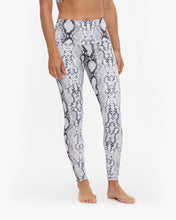 Load image into Gallery viewer, ONZIE HIGH RISE LEGGING