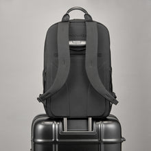 Load image into Gallery viewer, TROUBADOUR APEX RUCKSACK BLACK
