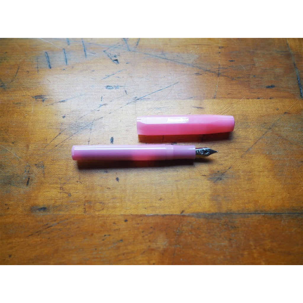 <center>Kaweco Frosted Sport Fountain Pen - Blush Pitaya</center>