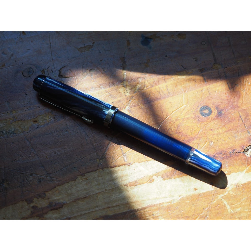 <center>Noodler's Konrad Piston Filler Flex Fountain Pen - Medieval Lapis</center>