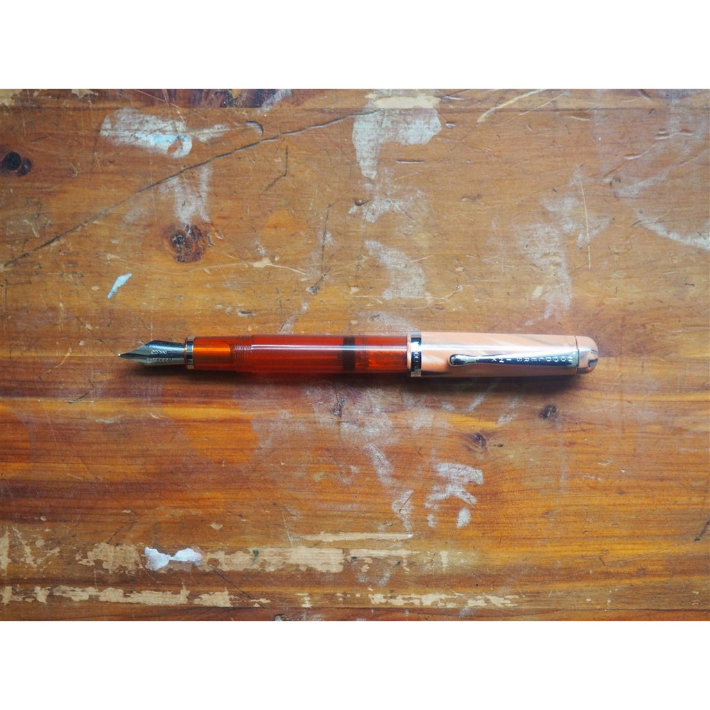 <center>Noodler's Konrad Piston Filler Flex Fountain Pen - Tiger Tortoise</center>