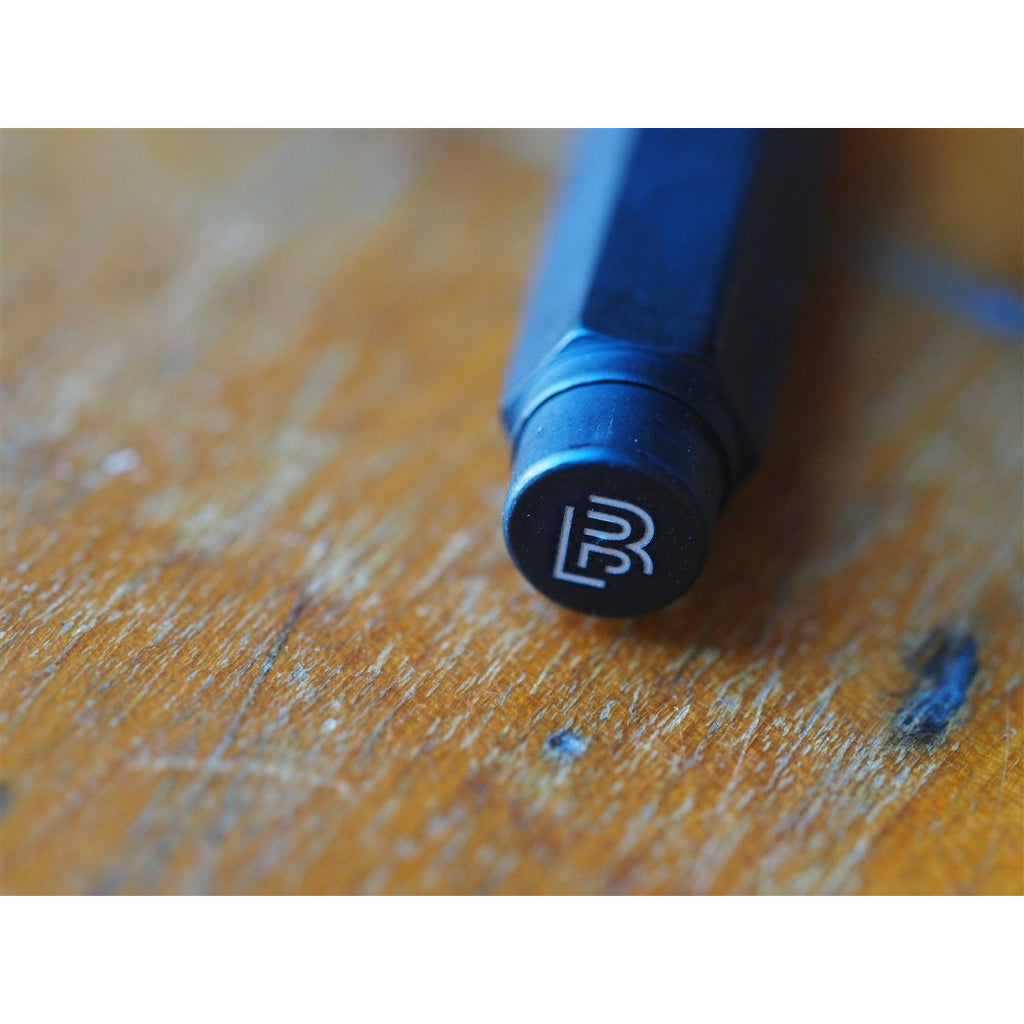 <center>Palomino Blackwing Pencil Point Guard - Matte Black</center>