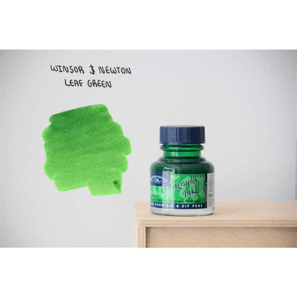 <center>Winsor & Newton Calligraphy Ink (30mL) - Leaf Green</center>
