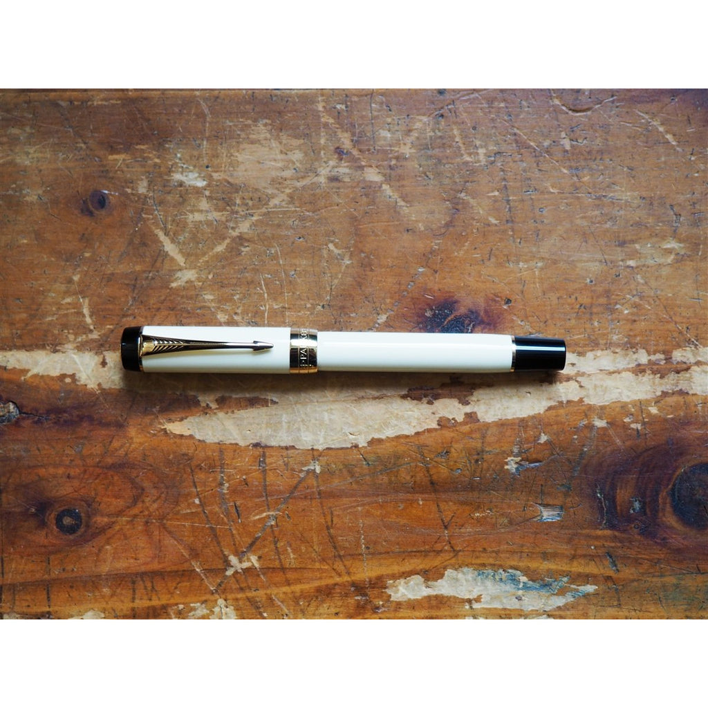 <center>Parker Duofold International Fountain Pen - Ivory</center>