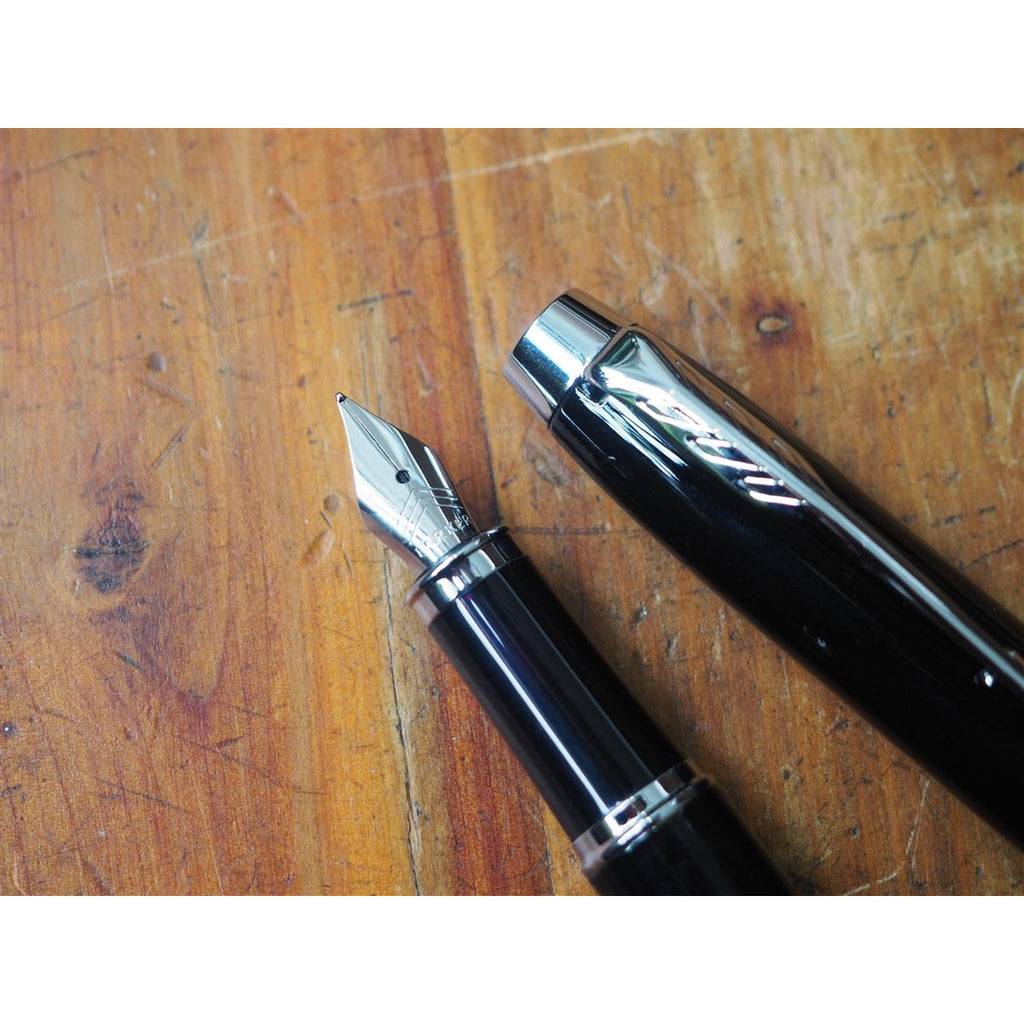 <center>Parker IM Fountain Pen - Black with Silver Trim</center>