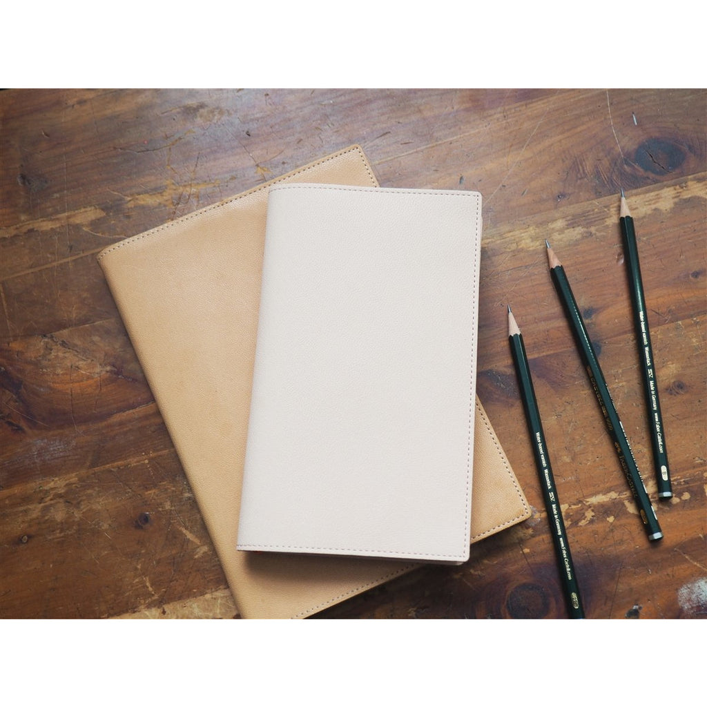 <center>Midori MD Notebook Leather Cover - B6 Slim</center>
