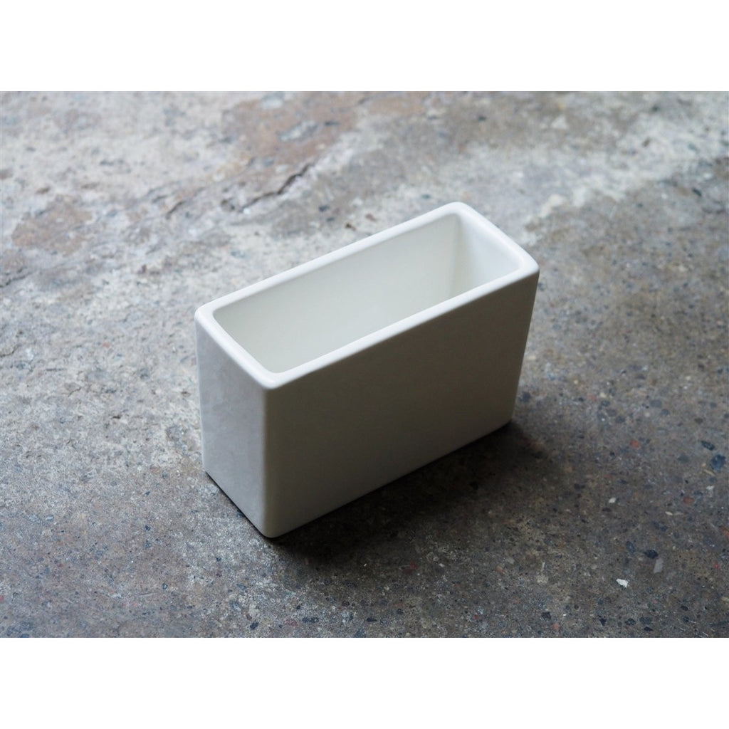 <center>Classiky Porcelain Photo/Postcard Holder</center>