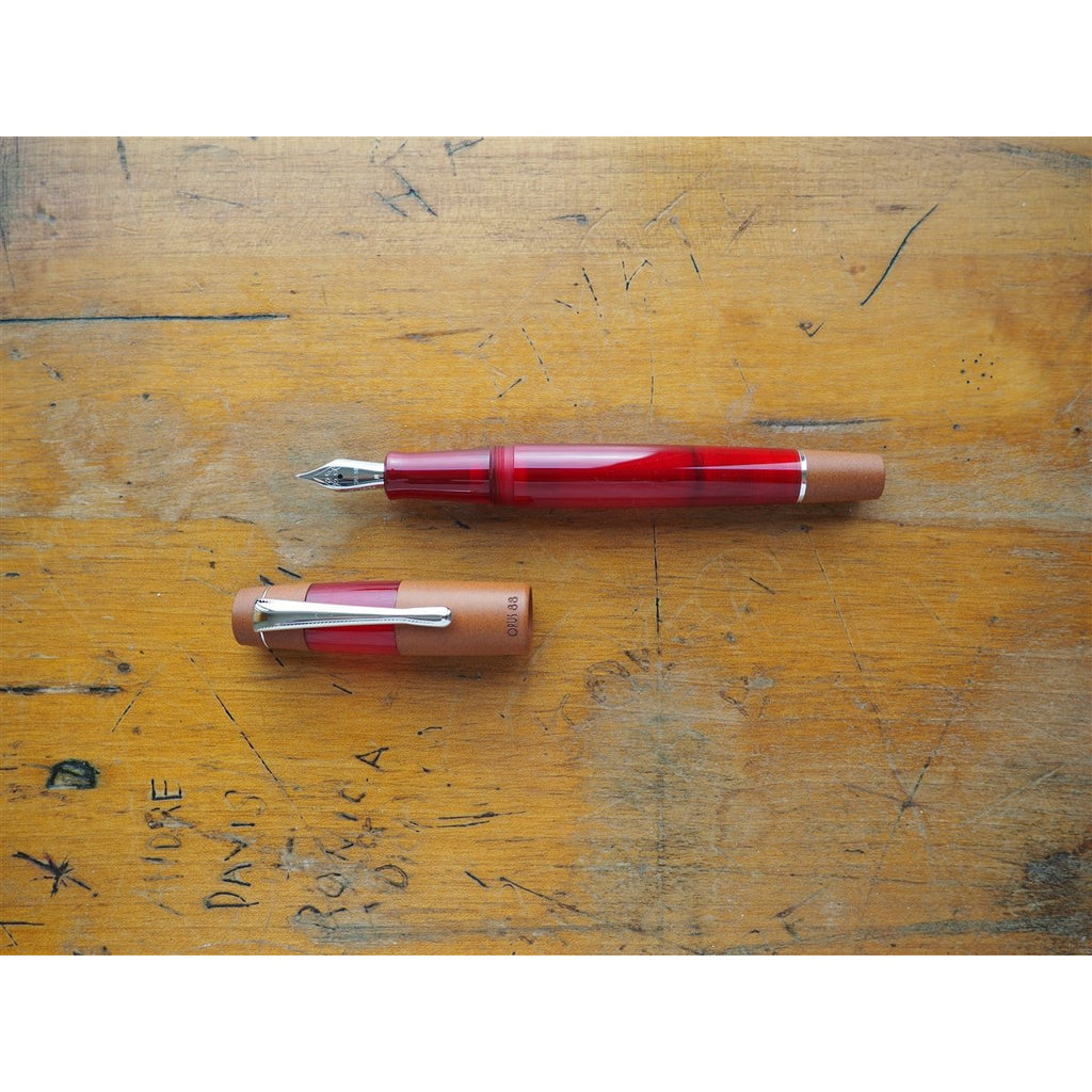 <center>Opus 88 KOLORO Fountain Pen - Red</center>