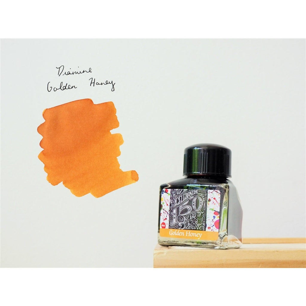 <center>Diamine 150th Anniversary ink: Golden Honey (40 mL)</center>