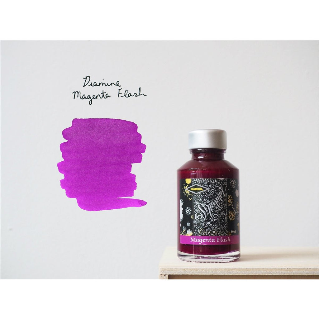<center>Diamine Shimmertastic: Magenta Flash (50 mL)</center>