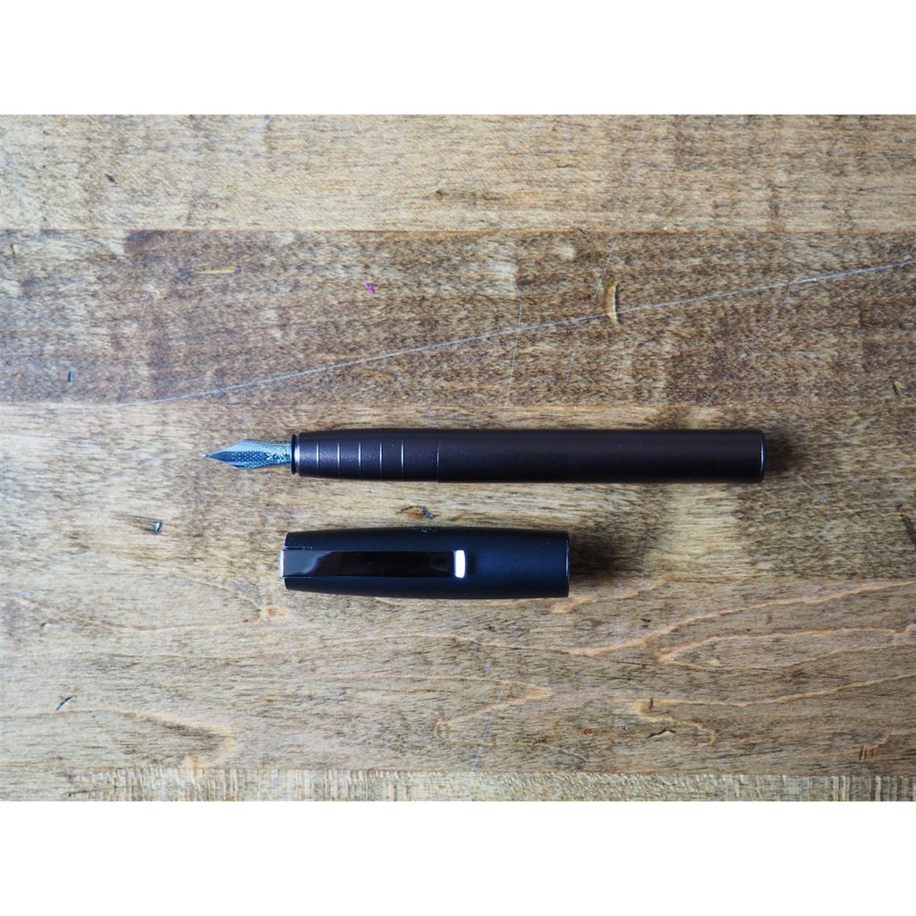 <center>Faber-Castell Loom Fountain Pen - Matt Gunmetal</center>
