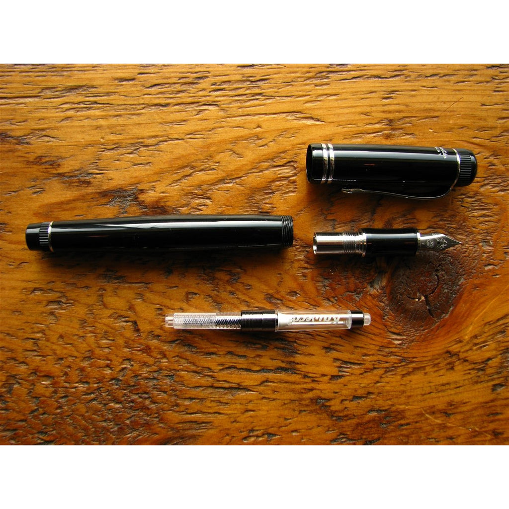 <center>Kaweco Dia2 Fountain Pen - Black with Silver Accents</center>