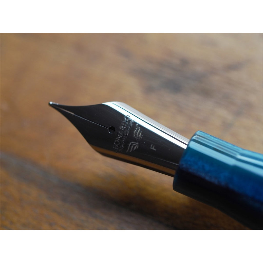 <center>Leonardo Momento Zero Fountain Pen - Blue Hawaii Resin - Silver Trim</center>