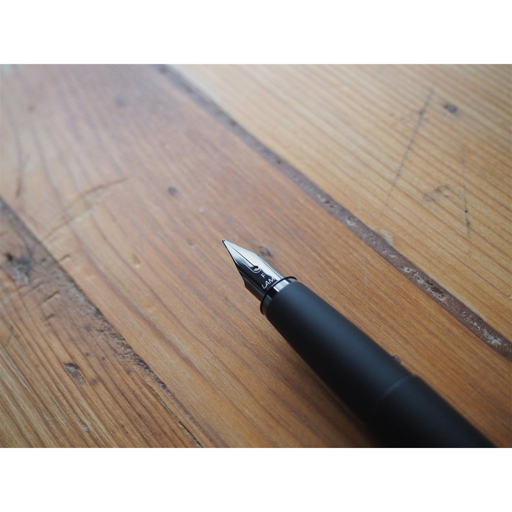 <center>Lamy Studio Fountain Pen - LX All Black</center>