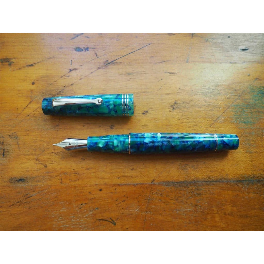 <center>Leonardo Momento Zero Fountain Pen - Green/Blue - Silver Trim</center>