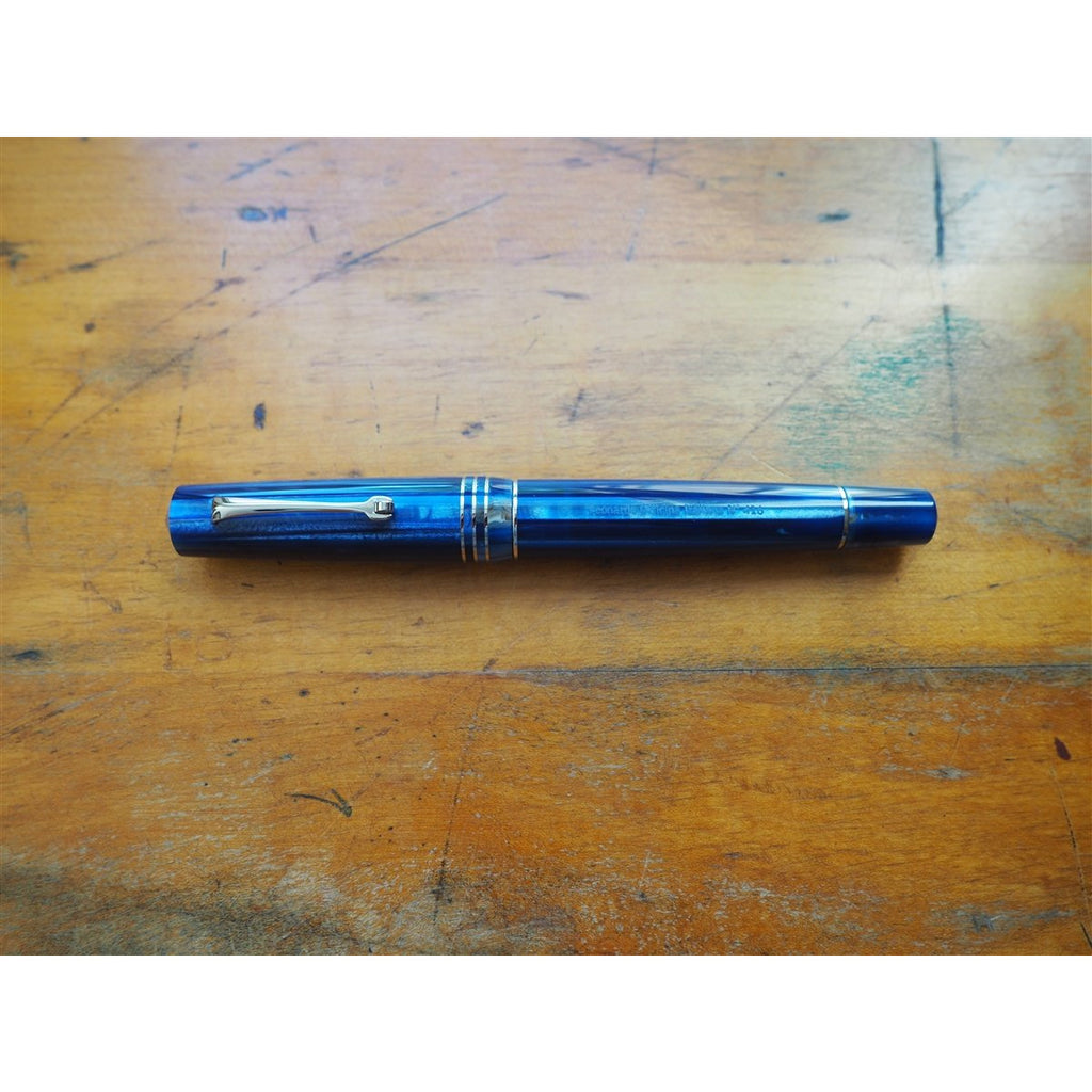 <center>Leonardo Momento Zero Grande Fountain Pen - Dark Hawaii - Silver Trim</center>