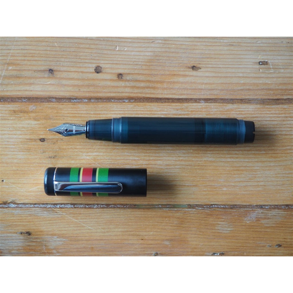 <center>Opus 88 Fantasia Fountain Pen - Black</center>