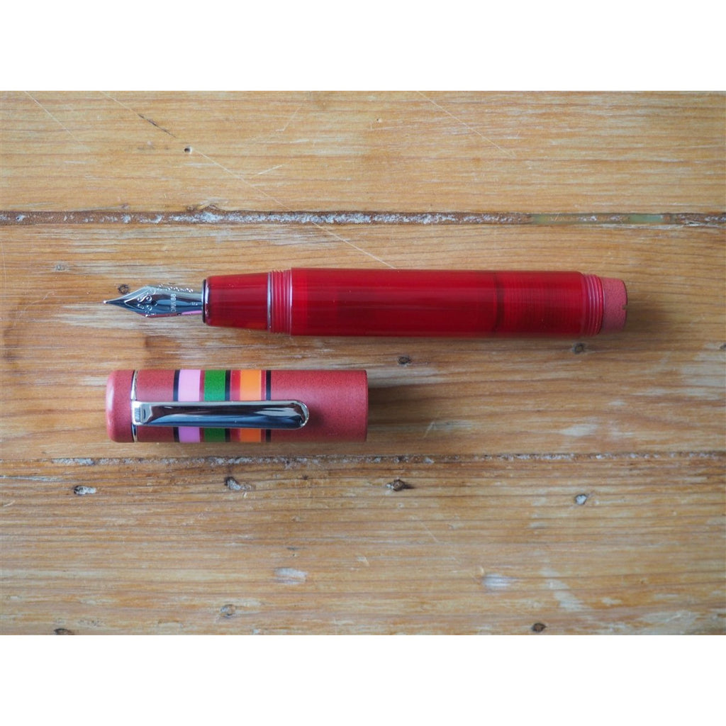 <center>Opus 88 Fantasia Fountain Pen - Red</center>