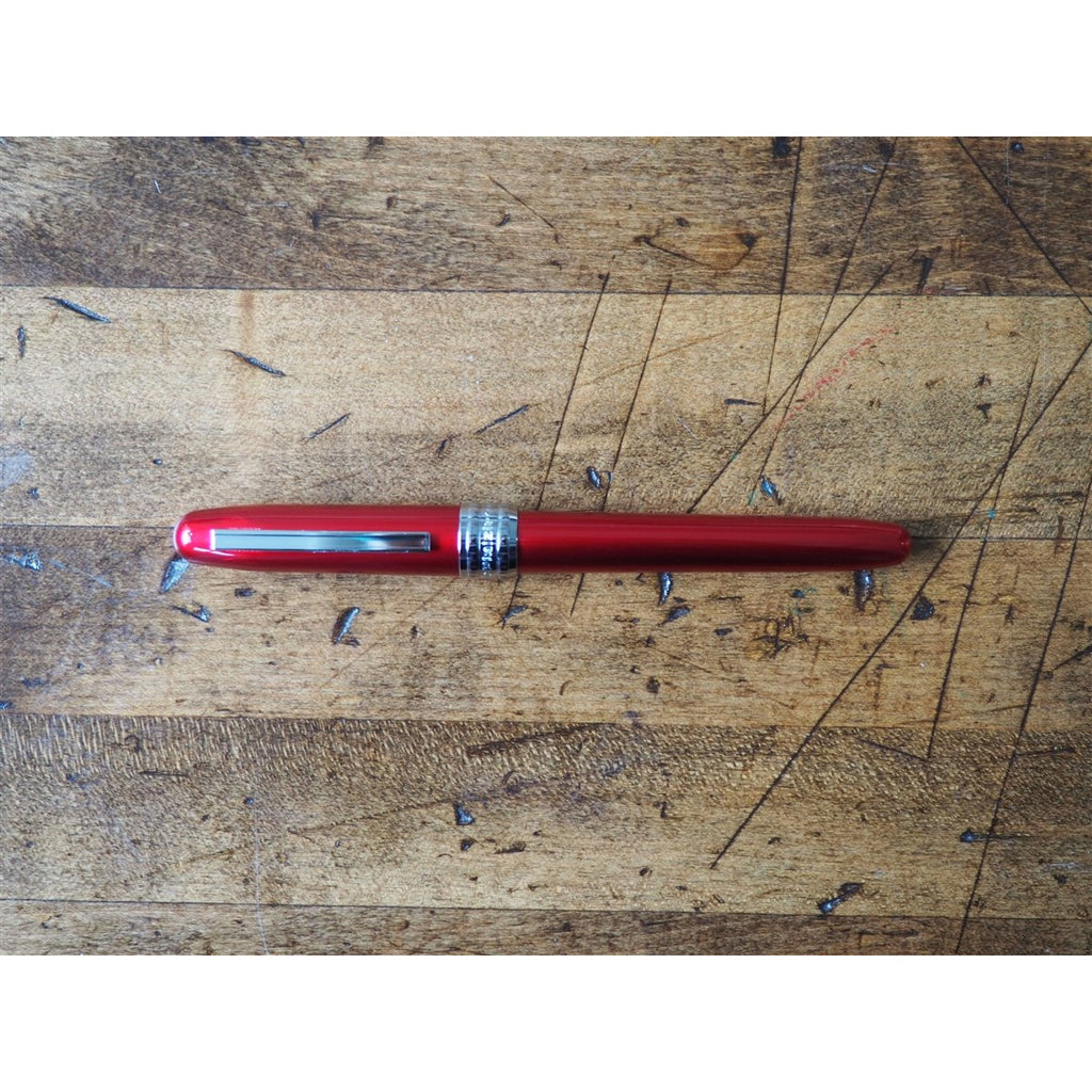 <center>Platinum Plaisir Fountain Pen - Red</center>