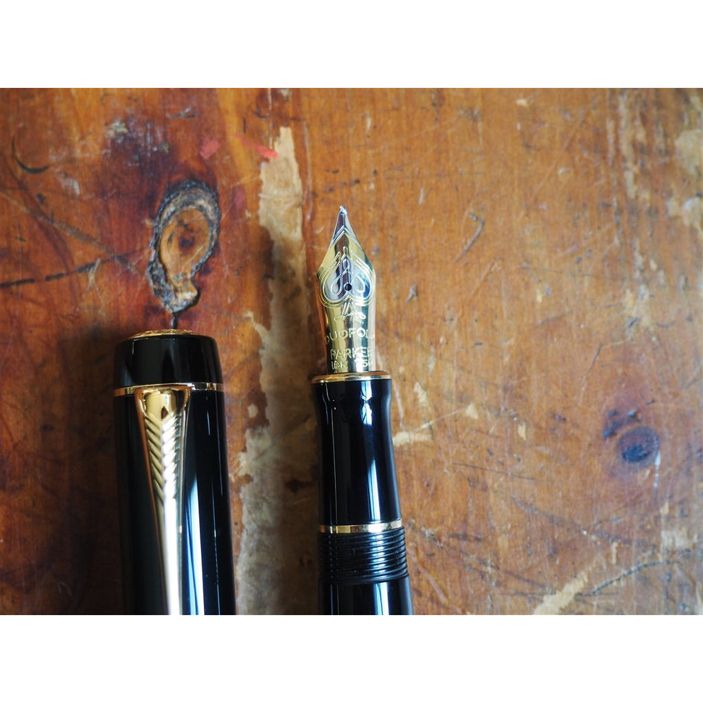 <center>Parker Duofold Centennial Fountain Pen - Black with Gold Trim</center>