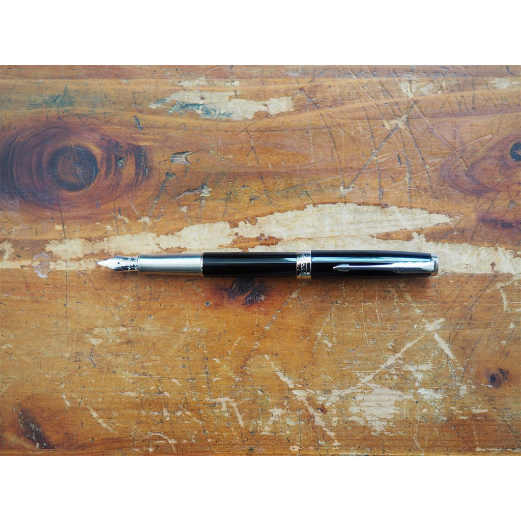 <center>Parker Sonnet Fountain Pen - Black Lacquer CT - 18K</center>