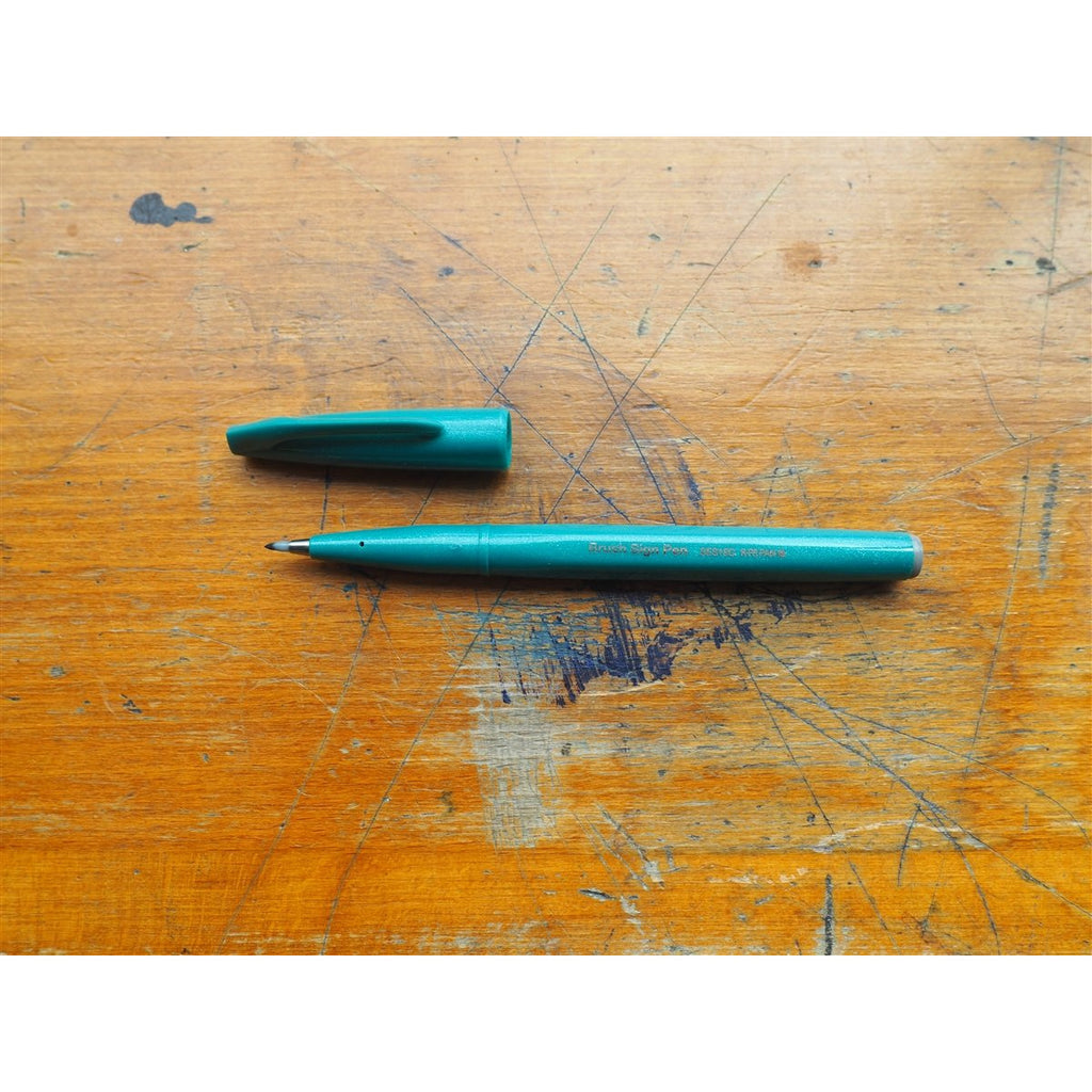 <center>Pentel Brush Sign Pen - Turquoise Green</center>