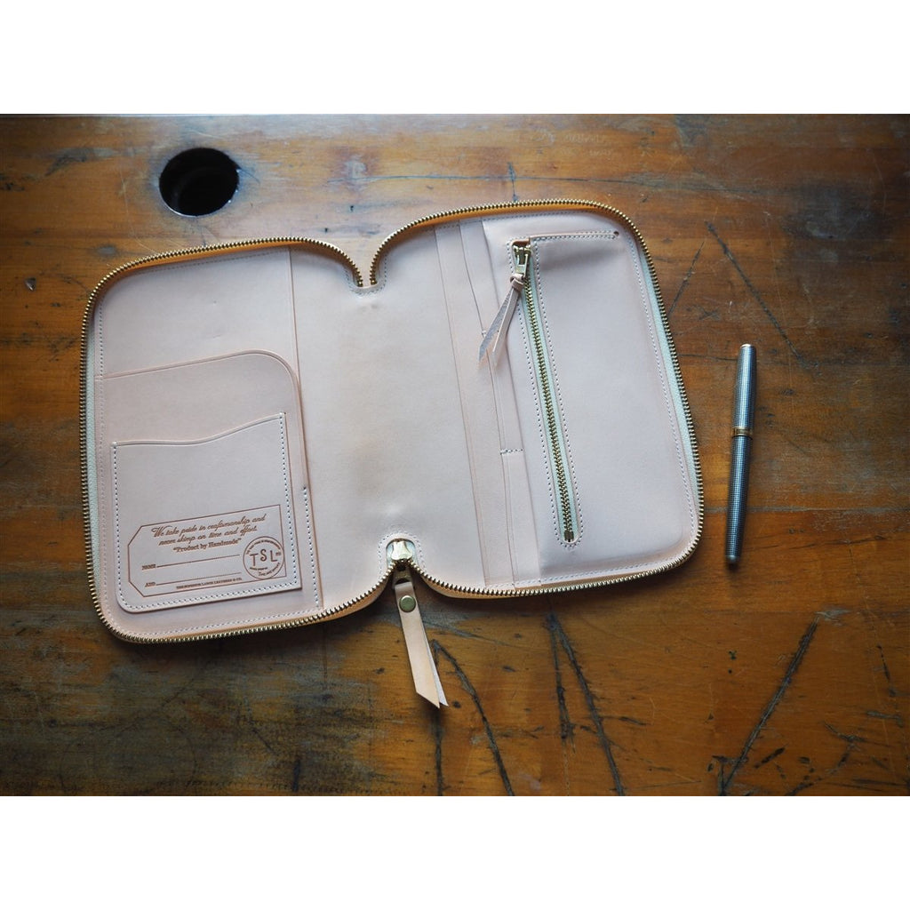 <center><b>PRE-ORDER</b> The Superior Labor A5 Leather Zip Organizer - Natural</center>